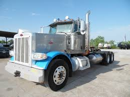 2012 Peterbilt 388 LNG Daycab For Sale