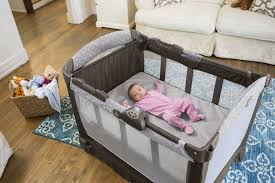 Peapod Plus Baby Travel Bed by Guide To The Best Pack And Play 2017 Travel Crib Reviews
