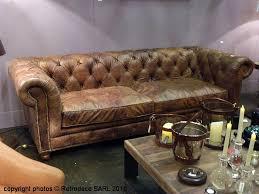 chehoma canapé ambiance décoration rétro pour ce superbe canapé 3 places capitonné