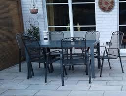eine restaurant terrasse gibt dem restaurant mehr fläche