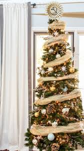Rustic Glam Is The Ultimate Paradoxa Juxtaposition Of Earthy Elements With Pops Glowing Neutral Christmas Tree