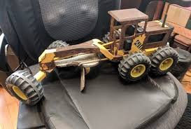 BIG VINTAGE ROAD GRADER Yellow Pressed Metal TONKA TRUCK ...