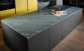 moderne küche naturstein schwarz dunkle farben