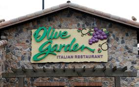 Couple loves Olive Garden so much they re naming their first child