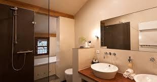 landhaus badezimmer mit holz banovo