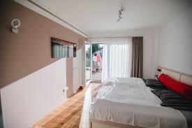 schlafzimmer mit balkon fischerhaus fertighäuser aus bayern