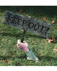 Carnival Scene Setters Halloween by Keep Out Warning Sign Halloween Garden Decoration Horror Shop Com