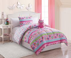 Minnie Mouse Queen Bedding by Mickey And Minnie Mouse Bed Set With White Plain Cotton Valance On