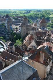 ville de semur en auxois cité médiévale