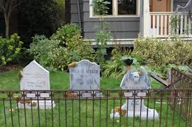 Halloween Cemetery Fence by Diy Halloween Tombstones Hammer Like A Girlhammer Like A
