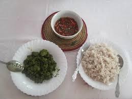recette de cuisine malagasy zoom sur la préparation du ravitoto sy hena kisoa recette de