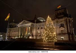 Flagpole Christmas Tree by Christmas Tree Decorated Lights Outside Stock Photos U0026 Christmas