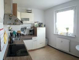 biete helle 2 zimmer wohnung mit balkon und küche