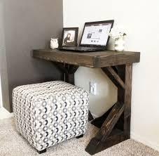 Small Computer Desk Ideas by Best 25 Small Computer Desks Ideas On Pinterest Desk For