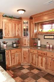 Rustic Log Cabin Kitchen Ideas by Best 25 Hickory Kitchen Cabinets Ideas On Pinterest Hickory