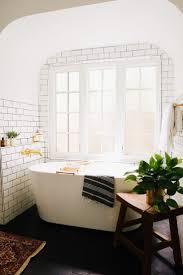 Chandelier Over Bathtub Soaking Tub by 391 Best Bathtubs Images On Pinterest