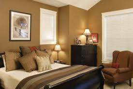 ألوان الجدران الدافئة تمتع بأجواء مريحة في المنزل