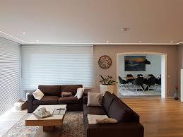 wohnzimmerdecke mit led streifen modern und hell