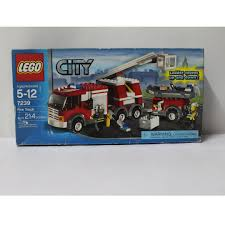 LEGO City Fire Truck (7239), Toys & Games, Toys On Carousell Lego City Ugniagesi Automobilis Su Kopiomis 60107 Varlelt Ideas Product Ideas Realistic Fire Truck Fire Truck Engine Rescue Red Ladder Speed Champions Custom Engine Fire Truck In Responding Videos Light Sound Myer Online Lego 4208 Forest Chelsea Ldon Gumtree 7239 Toys Games On Carousell 60061 Airport Other Station Buy South Africa Takealotcom
