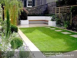Small Garden Designs Like The Seating Idea In Corner