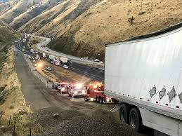 Two Killed On The Grapevine When Runaway Ramp Fails To Stop Truck ... Third Party Logistics 3pl Nrs Clawson Honda Of Fresno New Used Dealer In Ca Heartland Express Local Truck Driving Jobs In California Best Resource School Ca About Elite Hr Driver Cdl Staffing Trucking Regional Pickup Truck Driver Killed Crash Near Reedley Abc30com Craigslist Pennysaver Usa Punjabi Sckton Bakersfield
