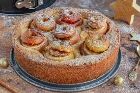 bratapfelkuchen mit schmand und ganzen äpfeln