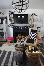 Nightmare Before Christmas Halloween Decorations Ideas by Best 25 Halloween Living Room Ideas On Pinterest Fall Fireplace
