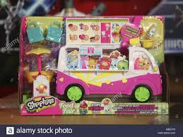 Shopkins Food Fair Scoops Ice Cream Truck Stock Photos & Shopkins ... Licks Ice Cream Truck Takes Up Post In Brentwood Eater Austin Chomp Whats Da Scoop Shopkins Scoops Playset Flair Leisure Products 56035 New Exclusive Cooler Bags Food Fair Season 3 Very Hard To Jual Mainan Original Asli Helados In Box Glitter Moose Toys And Accsories Play Doh Surprise