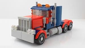 I Made An Optimus Prime Truck From The 2007 Movie : Lego