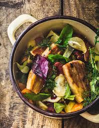cuisine en cocotte cocotte de légumes d hiver au porc pour 6 personnes recettes
