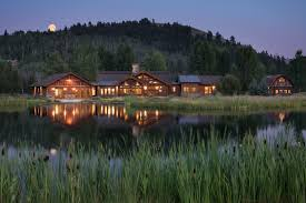 100 Jackson Hole Homes A 78 Million Cabin Made With Logs From Yellowstone Fires
