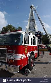 Ladder Truck Stock Photos & Ladder Truck Stock Images - Alamy