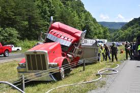 100 Ta Truck Stop Wytheville Va Tractortrailer Hauling More Than 2000 Young Pigs Overturns News