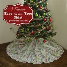 5 Minute Easy Christmas Tree Skirt