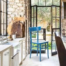 klassischer rustikaler holzstuhl für esszimmer küchenbar restaurant braun