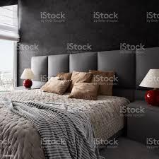 schlafzimmer dunkel einrichten caseconrad