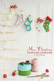 Christmas Tree Bead Garland Uk by 55 Best Christmas Garland Ideas Decorating With Holiday Garlands