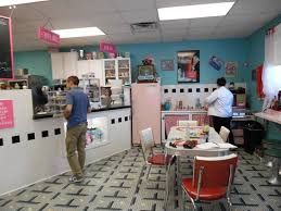 Johnny Comos Cupcakes And Coffee Inside The Decor Makes Us Revive A 60s 70s