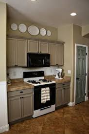 Pinterest Kitchen Soffit Ideas by Great Way To Decorate A Kitchen Soffit Plate Displays Plate