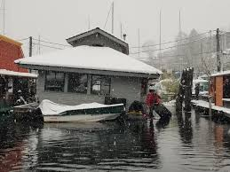 100 Boat Homes Floating Vs Snowmageddon Seattle