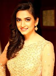 Kriti Kharbanda Height Weight Figure Age Biography & Wiki