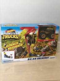 100 Monster Trucks Free Games Delivery Brand New Hot Wheels Big Air