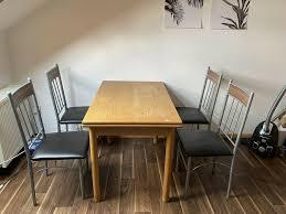 tisch zu verschenken inklusive 4 stühle in hessen kassel