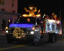 100 Bettendorf Trucking Friendly City Lights Up With Annual Al Gray Memorial Lighted Parade