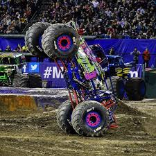 Monster Jam On Twitter Wild Flower Driver Rosalee Ramer Stands It Up In Angel Stadium Of Anaheim Last Weekend Sc Tco FAGa9eCSlX