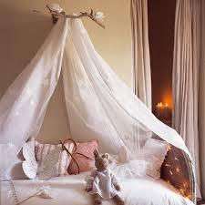ciel de lit chambre adulte tuto gratuit faire un ciel de lit lit enfant ou adulte tutolibre