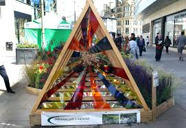 Christmas Tree Aphids Uk by Diarmuid Gavin Launches Dig The City 2015 Manchester Evening News