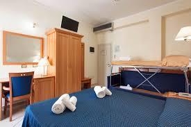 hotel avec service en chambre hôtel avec air conditionné à cesenatico vue mer et accessoires