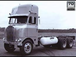 51-58 Freightliner With Overhead Sleeper | Big Trucks And Busses ...