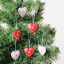 Christmas Tree Toppers Uk by Set Of 6 Metallic Heart Tree Decorations